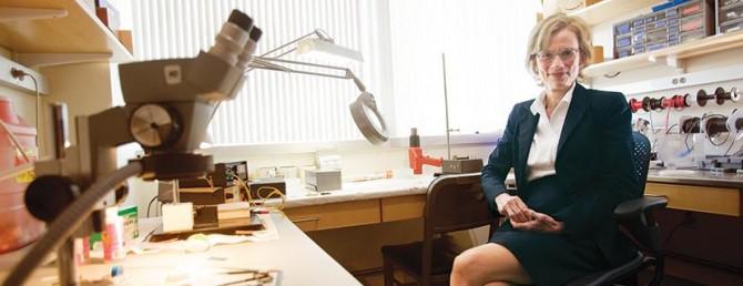 오랫동안 습관과 강박행동의 뇌과학을 연구하고 있는 MIT 뇌․인지과학과 앤 그레이빌 교수. - Ann Graybiel 제공